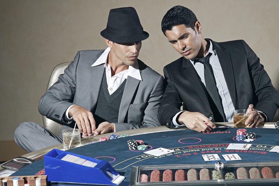 Poker Regeln - wie spielt man Poker ? Hier die Regeln