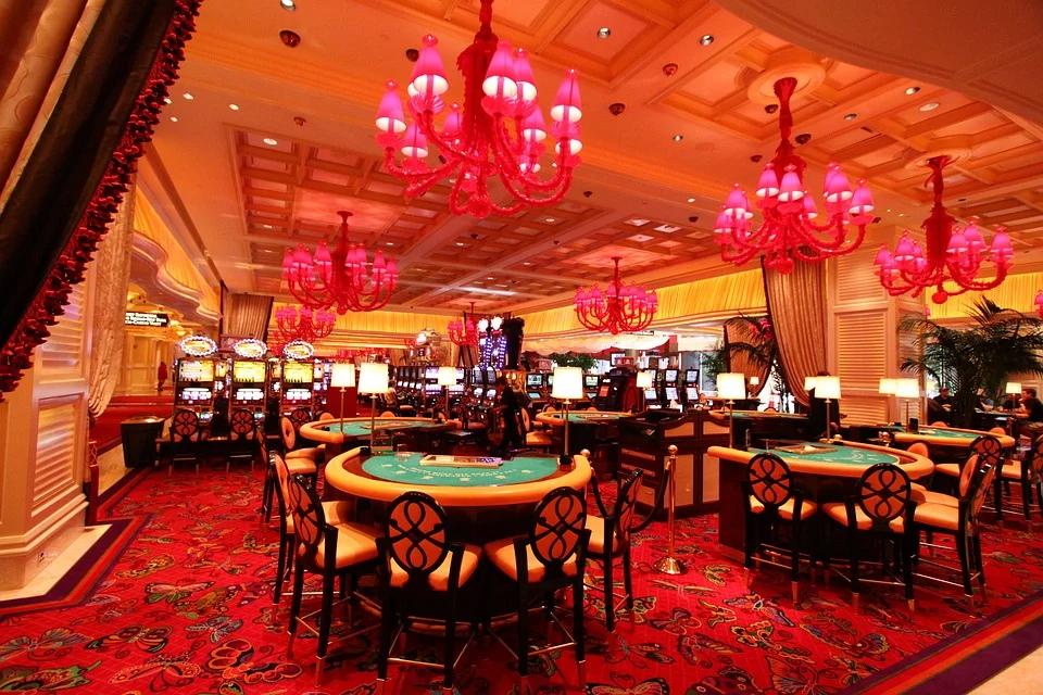 Spielbank, Spielautomaten und Casino – die wichtigsten Begriffe werden hier erklärt